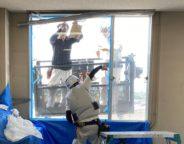 某ビル ゴンドラを使用した ガラス割れ替え作業 施工中